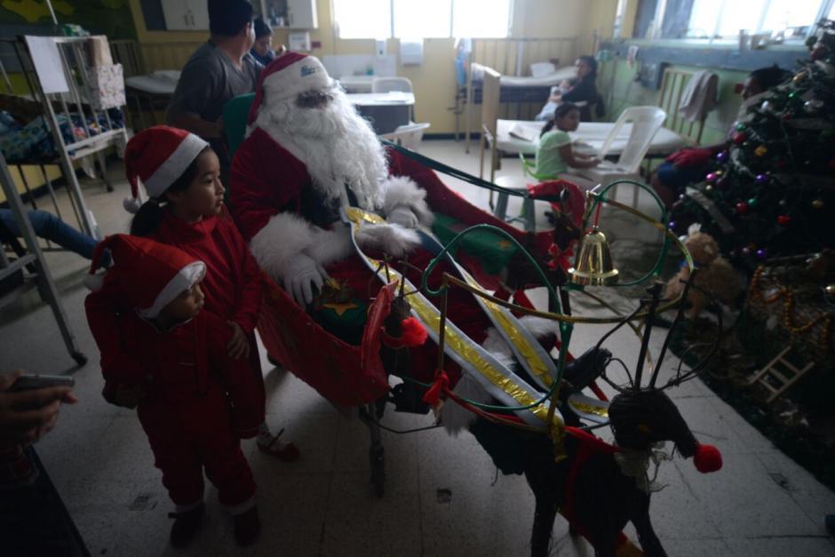 Le hicieron un trineo especial a Santa Claus. (Foto: Wilder López/Soy502)