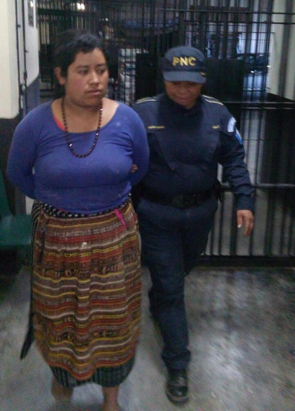Amalia Argentina Ruiz Colop de Bautista pretendía vender a una bebé. (Foto: PNC)