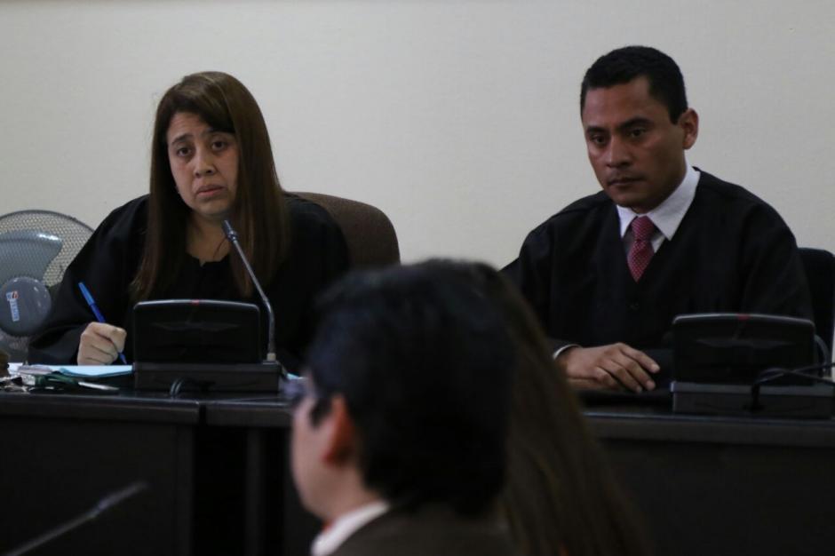 Luego de informar la denuncia, Ruano señaló que se excusa de conocer el juicio del caso IGSS-Pisa. (Foto: Alejandro Balan/Soy502)