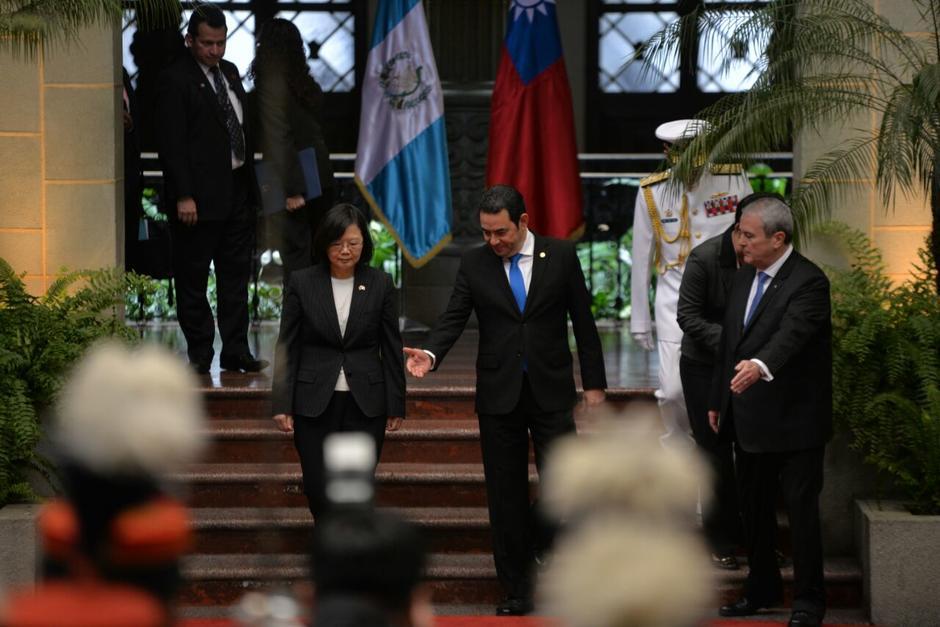 El presidente Morales recibió a su homóloga taiwanesa en el Patio de la Paz. (Foto: Wilder López/Soy502)