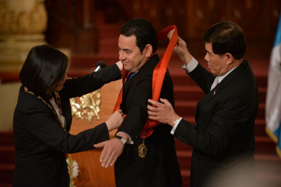 El acto tuvo lugar luego de la reunión bilateral.  (Foto: Wilder López/Soy502)