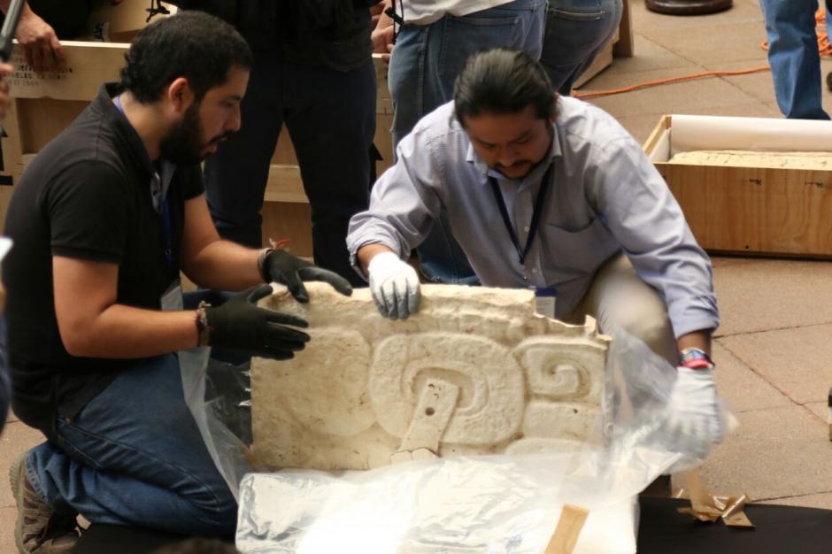 Los bienes arqueológicos presentados en el Palacio Nacional provenían de El Salvador y Los Ángeles, Estados Unidos. (Foto: Alejandro Balán/Soy502)