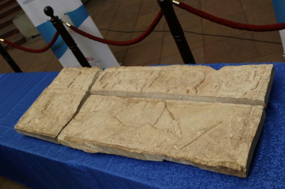 Estos fragmentos pertenecen al sitio arqueológico Dos Pilas, ubicado en Petén. (Foto: Alejandro Balán/Soy502)