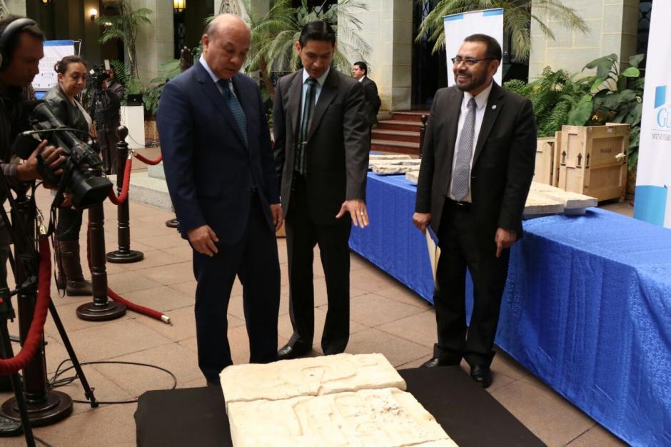 El ministro José Luis Chea explicó que 2016 ha sido el año en que más piezas arqueológicas se han recuperado. (Foto: Alejandro Balán/Soy502)