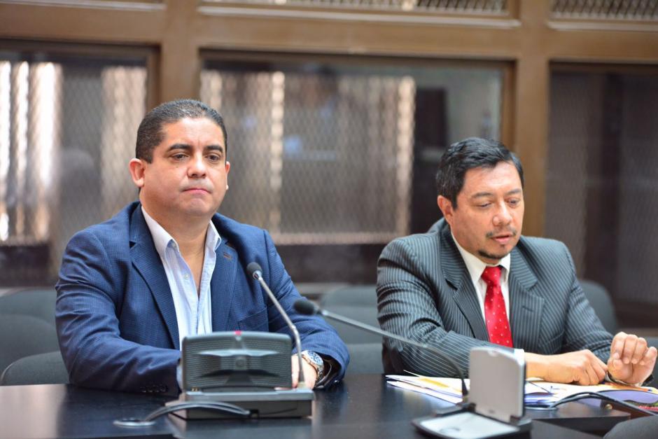 Juan Carlos Monzón acompañado de uno de sus abogados. (Foto: Jesús Alfonso/Soy502)
