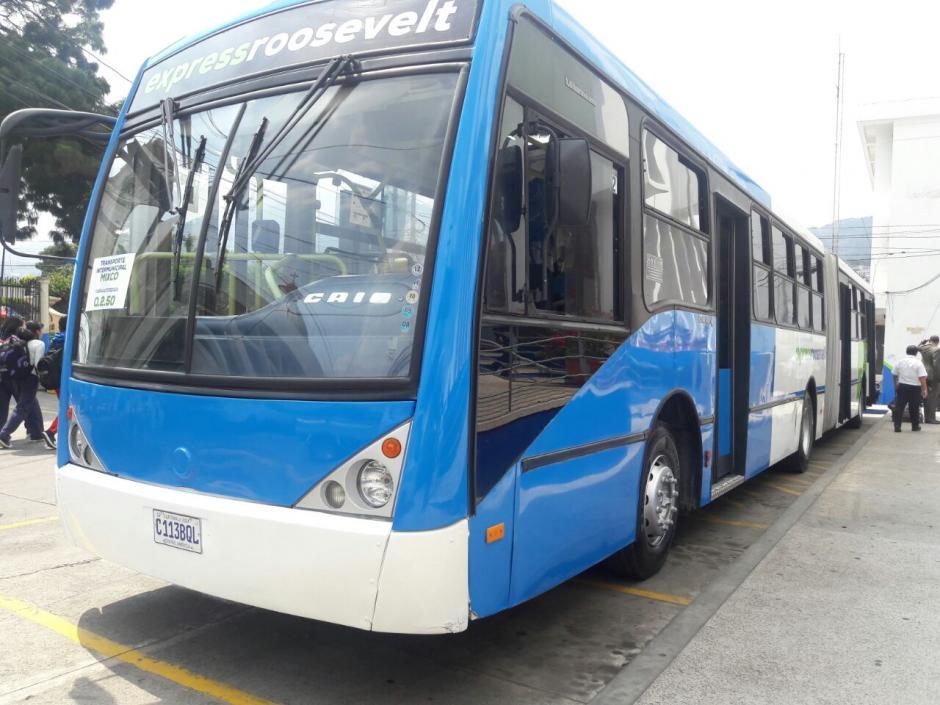 Los buses cuentan con un sistema de seguridad y son acompañados por un agente municipal. (Foto: Muni Mixco)
