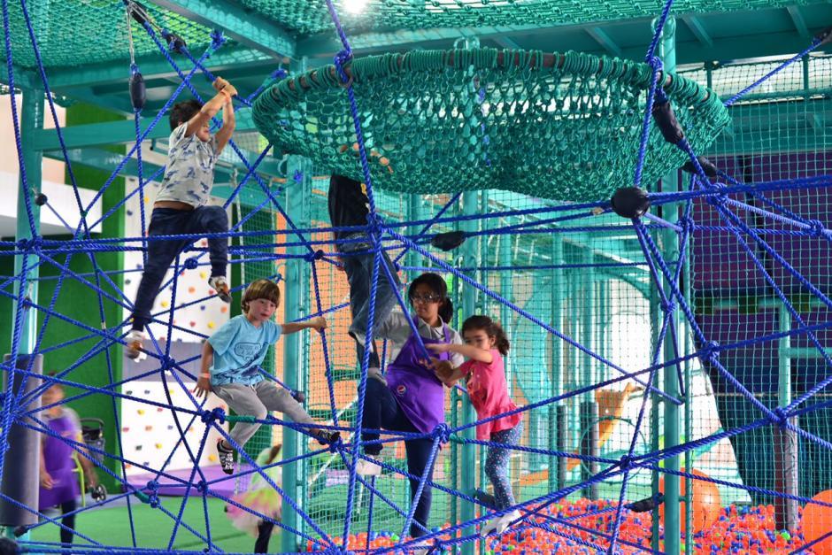 En Micos y Pericos hay diversas áreas para que los menores se diviertan. (Foto: Jesús Alfonso/Soy502)