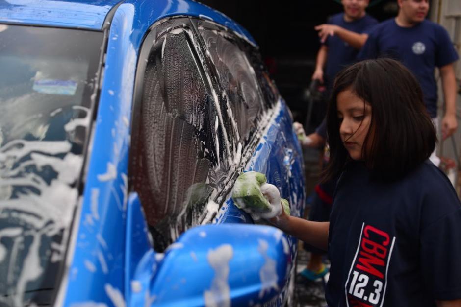 Los Bomberos Municipales realizaron esta actividad en apoyo a su compañero. (Foto: Jesús Alfonso/Soy502)