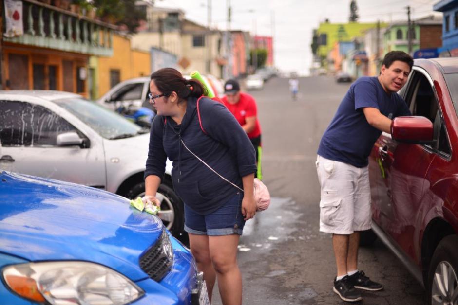 Bomberos Municipales realizaron esta actividad en la zona 12. (Foto: Jesús Alfonso/Soy502)