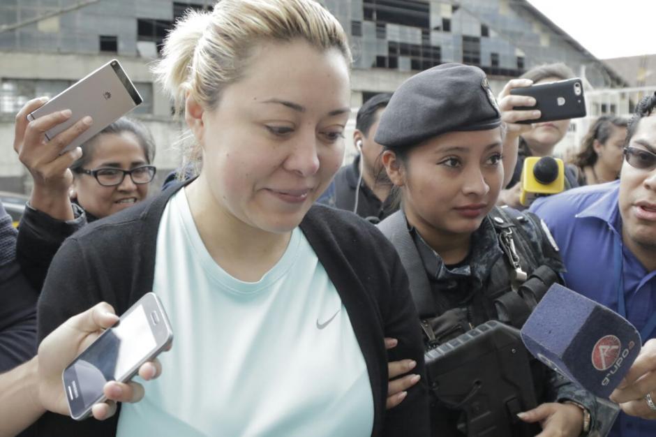 Fue capturada en su residencia y se le acusa de un fraude de 15 millones de quetzales. (Foto: Alejandro Balán/Soy502)