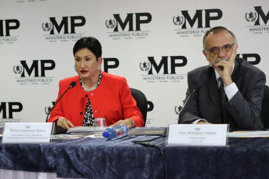 En conferencia de prensa la fiscal general Thelma Aldana y el comisionado de Cicig, Iván Velásquez detallaron el nuevo caso de corrupción. (Foto: Wilder López/Soy502)
