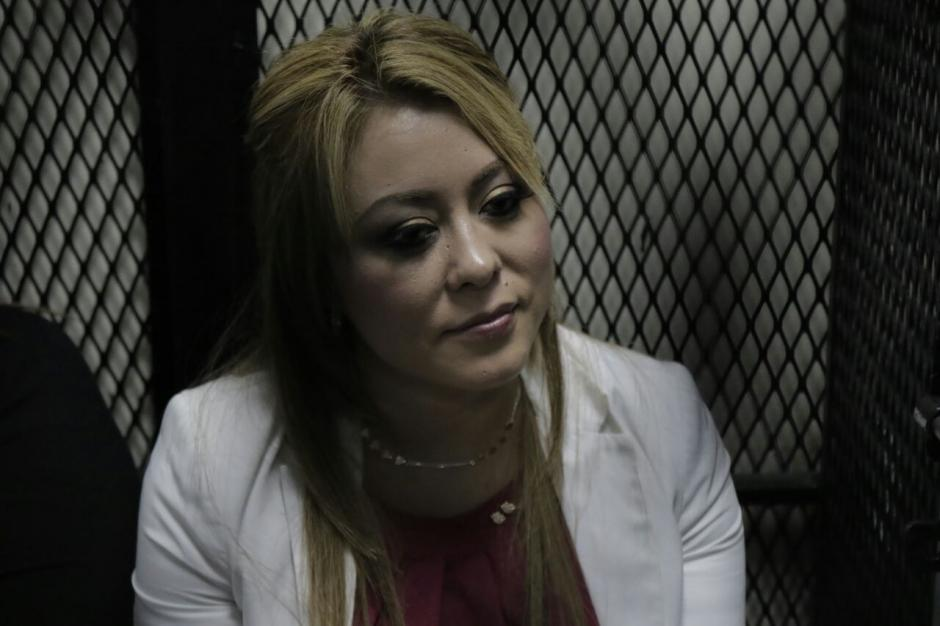 La exdiputada Emilenne Mazariegos fue trasladada al Juzgado de Mayor Riesgo C para la audiencia de primera declaración. (Foto: Alejandro Balán/Soy502)