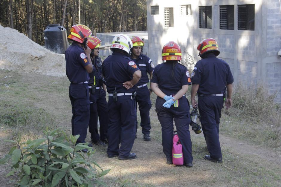 Los bomberos también se encuentran en el lugar atentos a si ocurre alguna emergencia. (Foto: Fredy Hernández/Soy502)