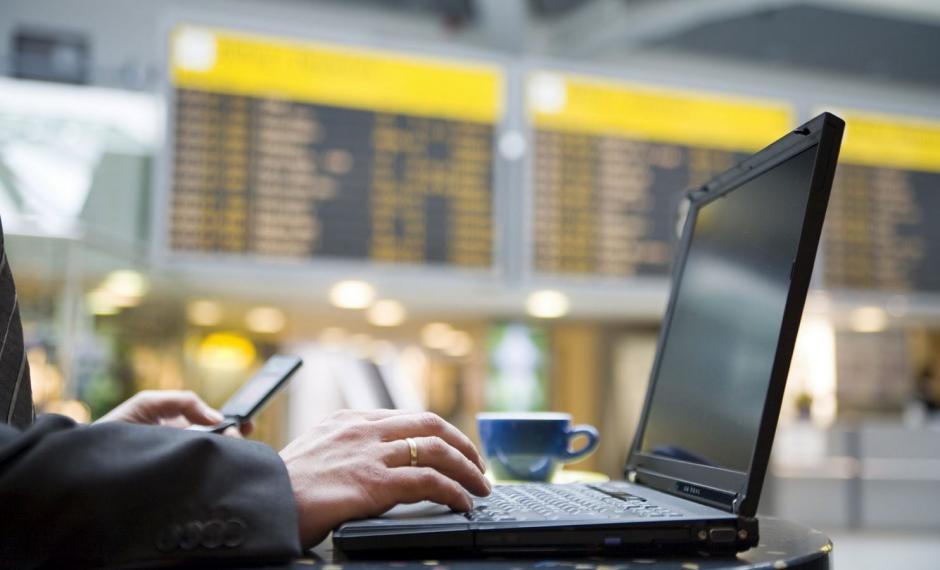 Muchos aeropuertos del mundo no ofrecen WiFi de manera libre