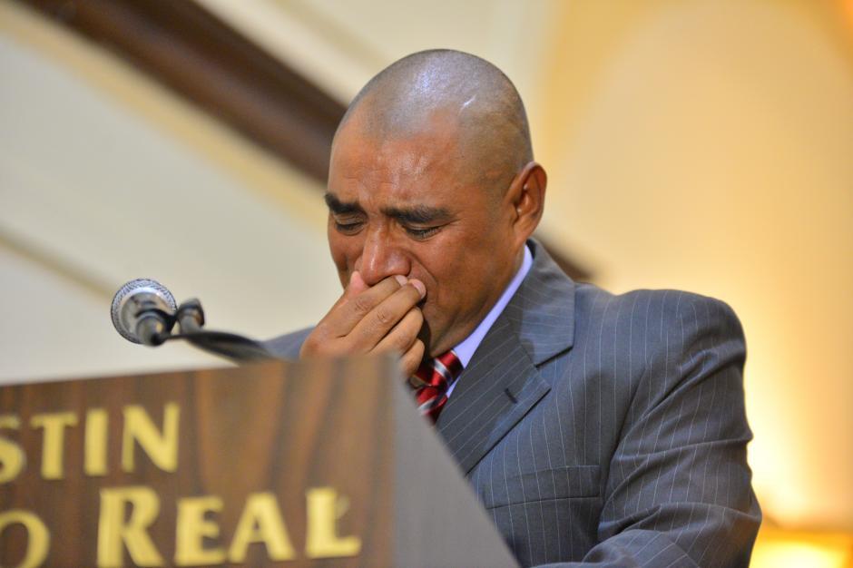 Plata lloró de la emoción a la hora de agradecerle a su familia.(Foto: Wilder López/Soy 502)