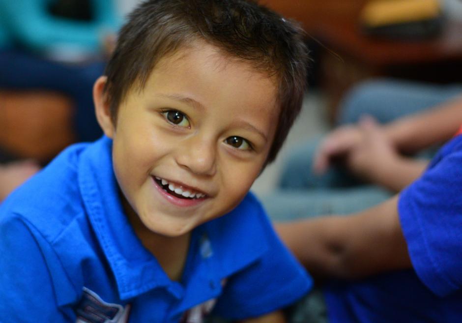 Adían Andrés González Solares, sufre de una enfermedad poco conocida en Guatemala. (Foto: Wilder López/Soy502)