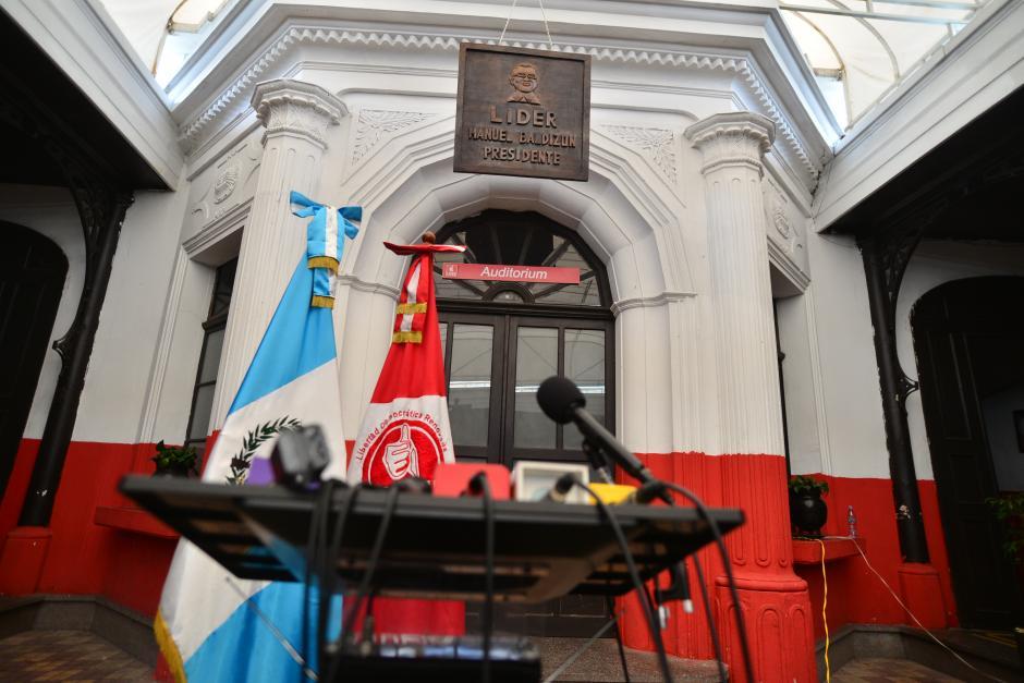 Todo listo en la sede de Lider. Sin embargo, el gran ausente fue el candidato a la presidencia, Manuel Baldizón. (Foto: Wilder López/Soy502)
