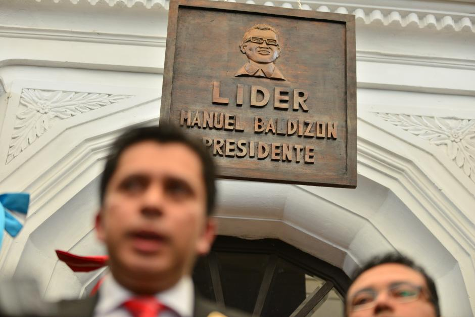 En la sede de Lider, todo hace alusión a su Secretario General, Manuel Baldizón. Sin embargo, desde el pasado domingo no aparece en público. (Foto: Wilder López/Soy502)