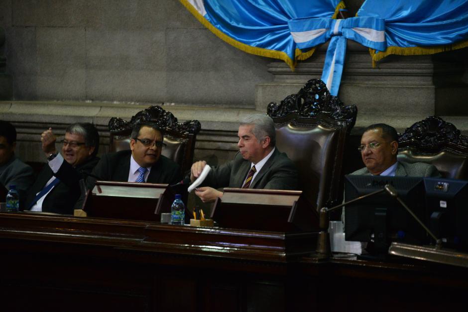 La sesión fue suspendida por el presidente del Congreso, Luis Rabbé luego de que diputados rompieran el quórum. (Foto: Wilder López/Soy502)