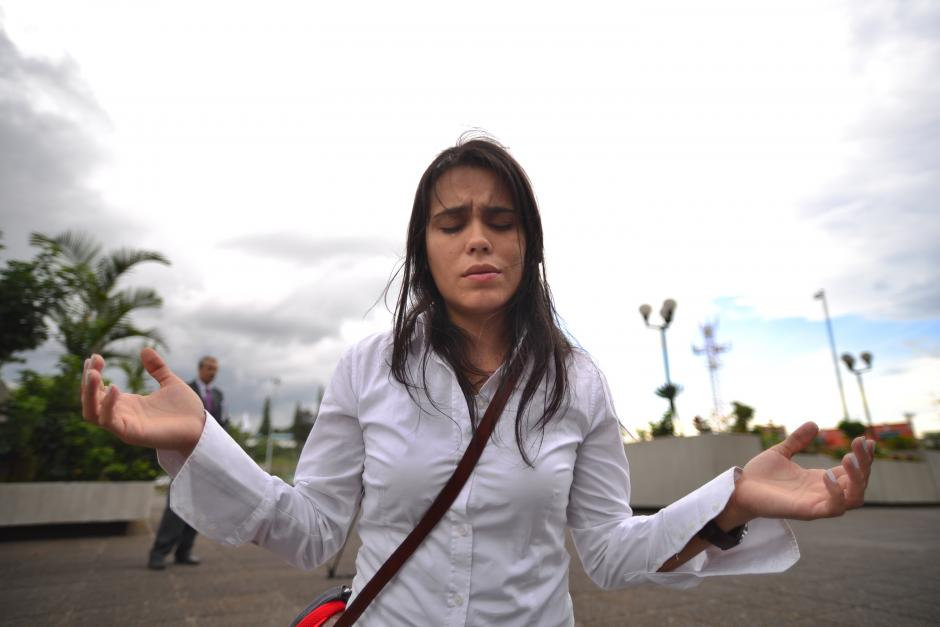 Jóvenes se unieron a este movimiento de Guate Ora por medio de Facebook. (Foto: Wilder López/Soy502)