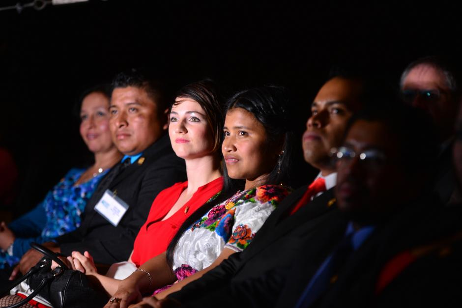 Los maestros ocuparon las primeras filas de la sala de teatro Lux, lugar donde se llevó a cabo la premiación. (Foto: Wilder López/Soy502)