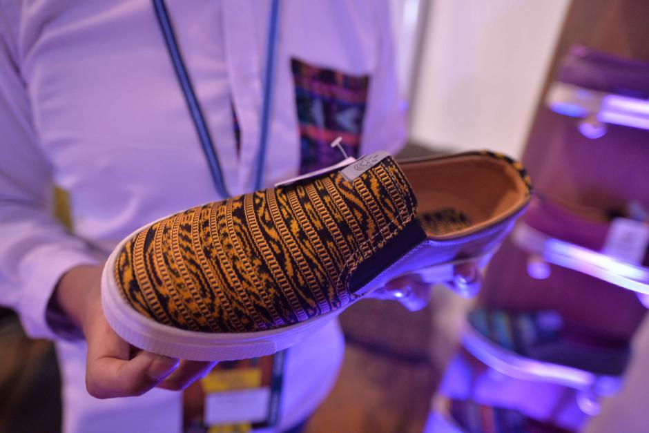 Este diseño de zapato esta inspirado en el patrón de un jaguar. (Foto: Wilder López/Soy502)