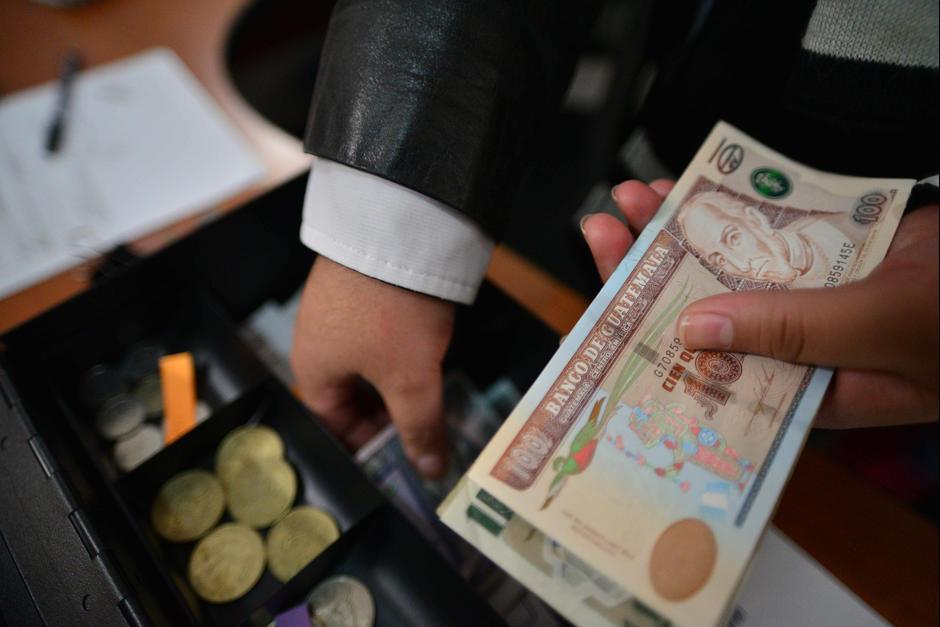 El Tipo De Cambio A 1 Febrero Es 7 47 Quetzales Por Un Dólar