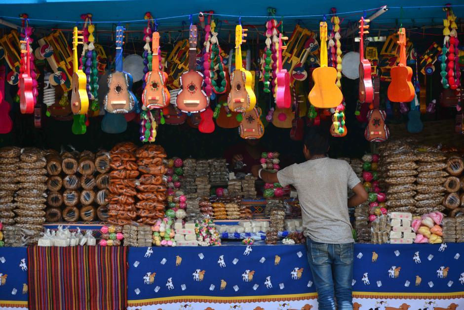 Una feria sin ventas de dulces tradicionales no es feria. (Foto: Wilder López/Soy502)