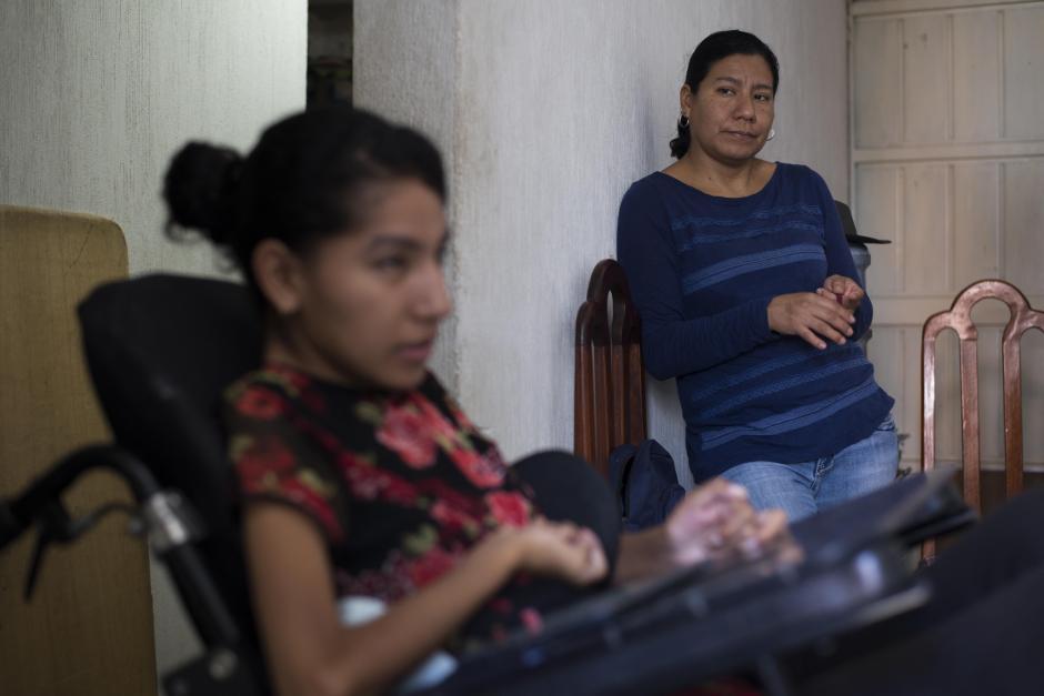 Delmy Castillo, madre de Andrea, apoya a su hija en el camino para ser periodista. (Foto: Wilder López/Soy502)