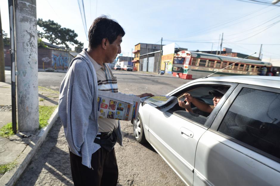 Rolando perdió su brazo derecho hace 20 años en un accidente laboral. (Foto: Wilder López/Soy502)