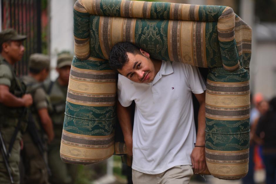 La esperanza de un mañana mejor es la motivación de muchos de los sobrevivientes del deslave. (Foto: Wilder López/Soy502)