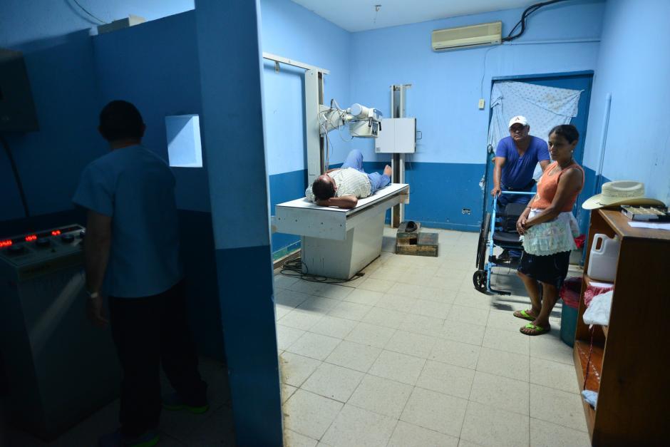 Esta es la única máquina de Rayos X que funciona en el hospital y su condición es precaria. (Foto: Wilder López/Soy502)