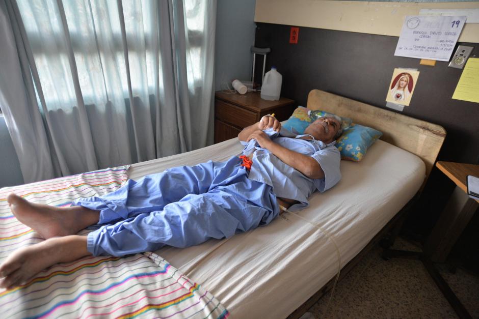 Francisco Loaiza no tiene familia cercana, él espera recuperarse pronto y regresar a trabajar. (Foto: Wilder López/Soy502)