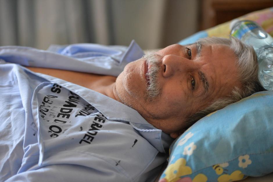 Francisco de 66 años no tiene familia a quien acudir por ayuda. (Foto: Wilder López/Soy502)