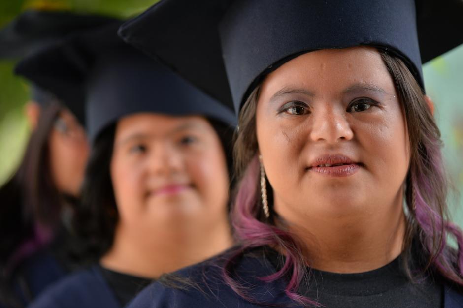 La Fundación Margarita Tejada en conjunto con ALFAPARF capacitaron a siete personas con síndrome de down con el curso de Auxiliar de Estilista. (Foto: Wilder López/Soy502)