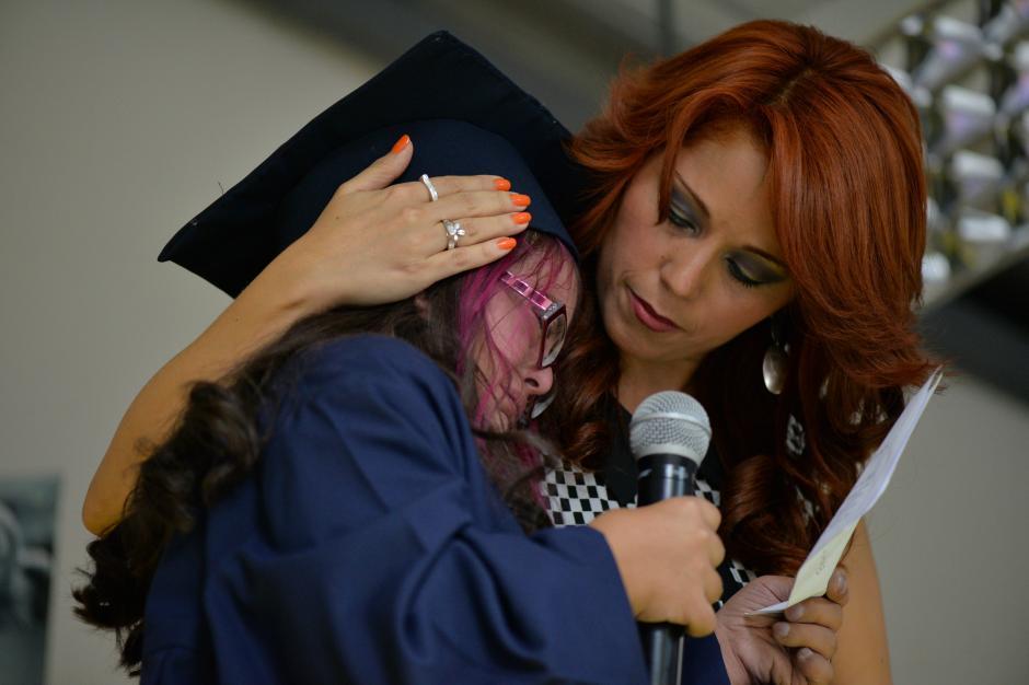 Ilse Rubio no pudo contener las lagrimas durante el discurso de agradecimiento. (Foto: Wilder López/Soy502)