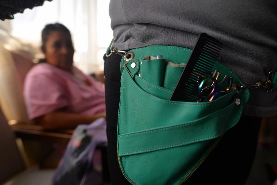 Cortes de cabello, maquillaje, faciales y hasta refacción recibieron las pacientes. (Foto: Wilder López/Soy502)