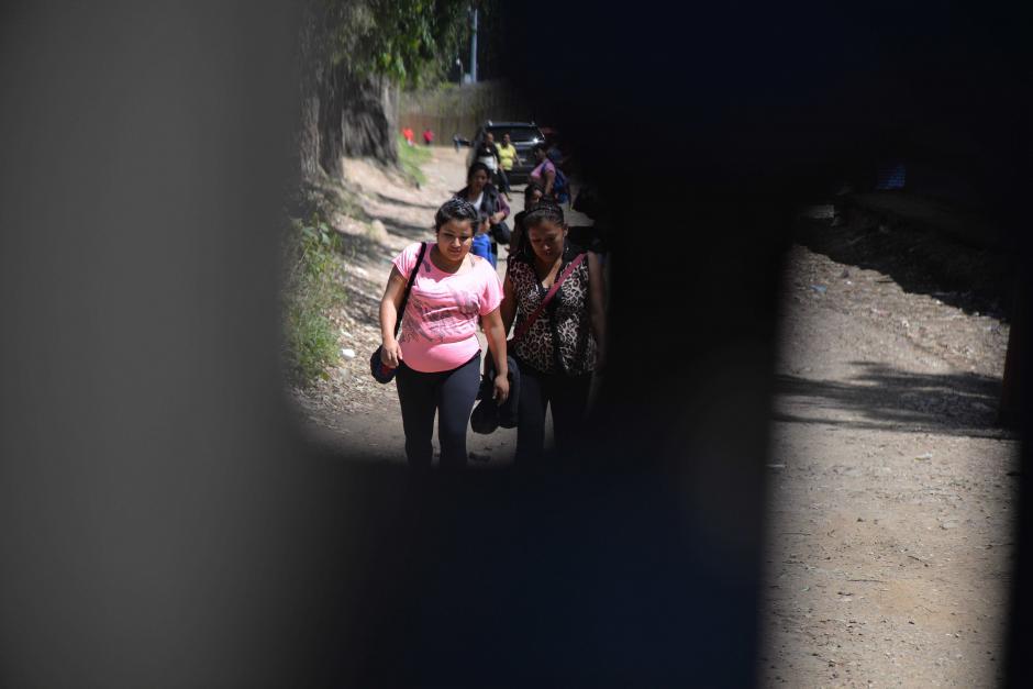 Muchas personas intentaron entrar pero no les fue posible. (Foto: Wilder López/Soy502)