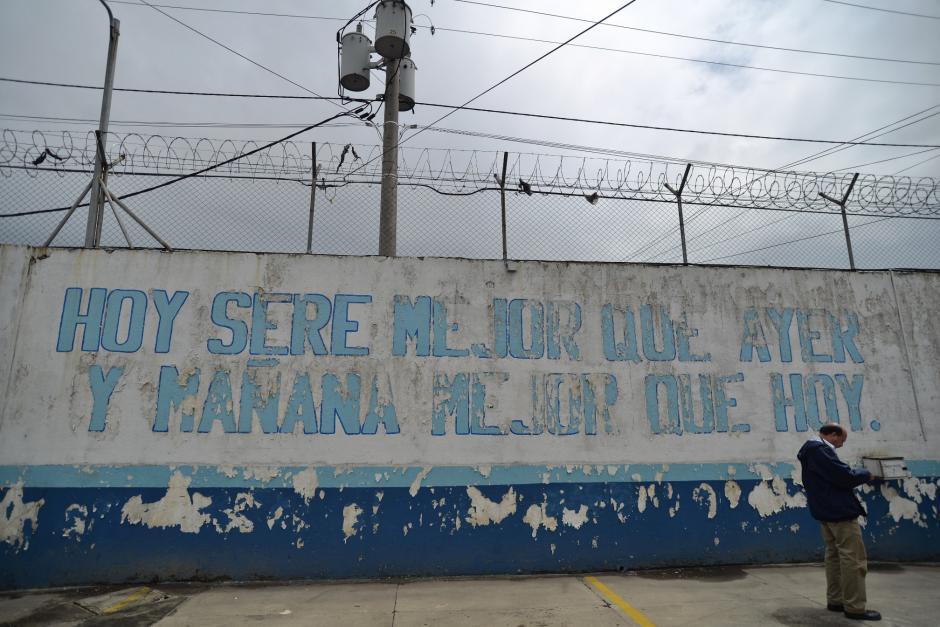 Los viernes y sábados son días de visita en el centro de detención. (Foto: Wilder López/Soy502)