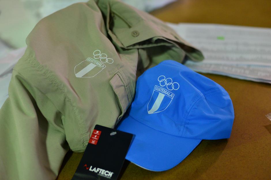 Los uniformes que los guatemaltecos deben utilizar en Toronto, cuentan con especificaciones internacionales. (Foto: Wilder López/Soy502)