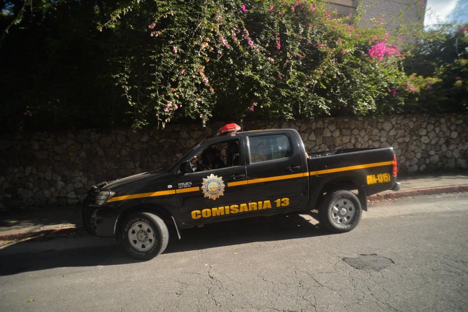 Fuera de la casa del mandatario se mantiene más de alguna patrulla de la PNC. (Foto: Wilder López/Soy502)