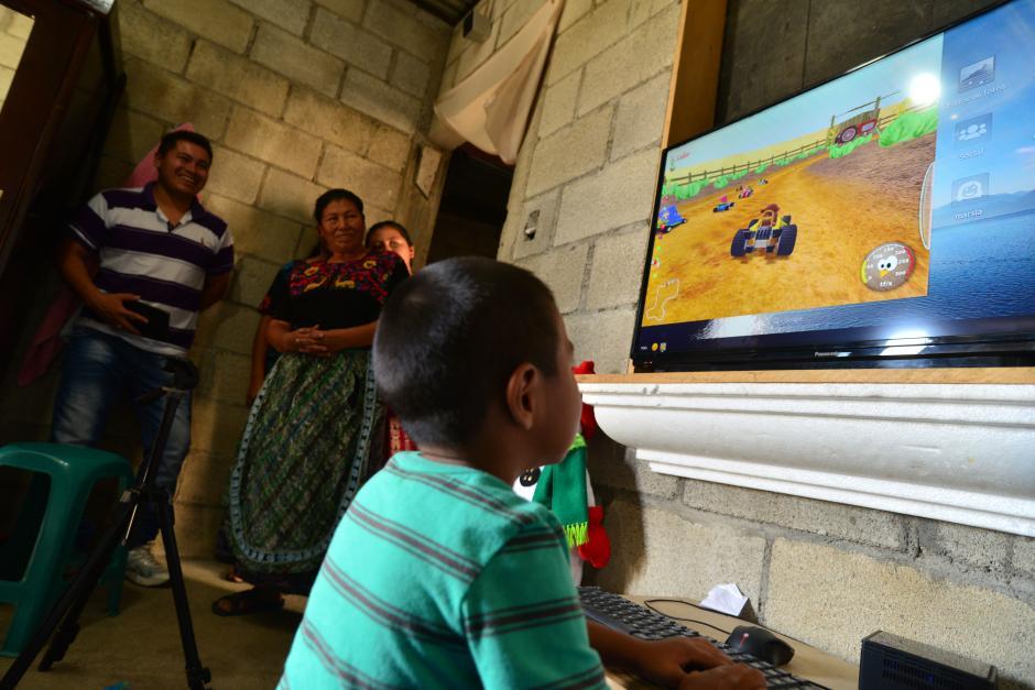 El dispositivo Endless es tan sencillo que hasta un niño lo puede usar. (Foto: Wilder López/Soy502)
