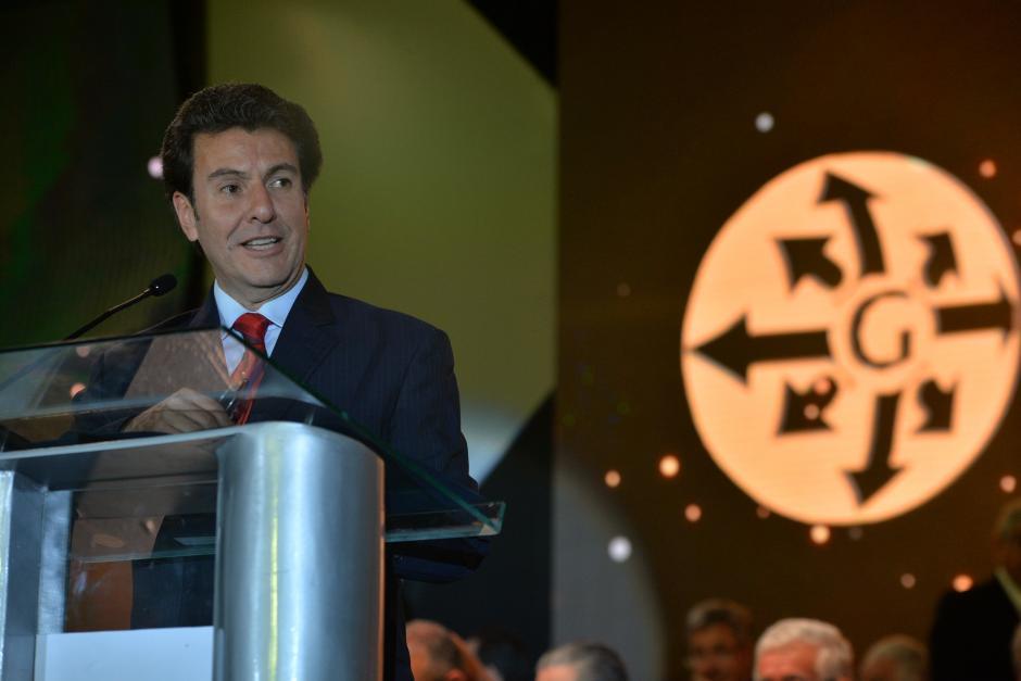 Dos días después de su juramentación, el ministro de Economía, Jorge Méndez Herbruger, entregó el gran galardón a la empresa ganadora. (Foto: Wilder López/Soy502)