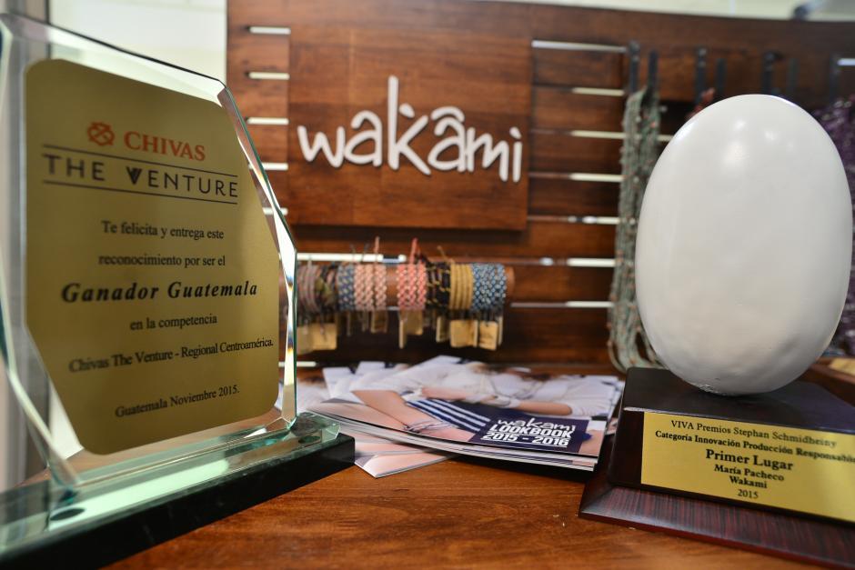 "Wakami recibe el premio""Chivas The Venture Guatemala"" y""Stephan Schmidheiny"". (Foto: Wilder López/Soy502)"