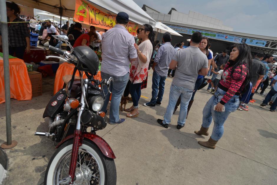 También vendieron micheladas para calmar la sed. (Foto: Wilder López/Soy502)