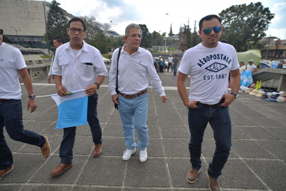 Así llegó el juez Gálvez a la Plaza de los Derechos Humanos. (Foto: Wilder López/Soy502)