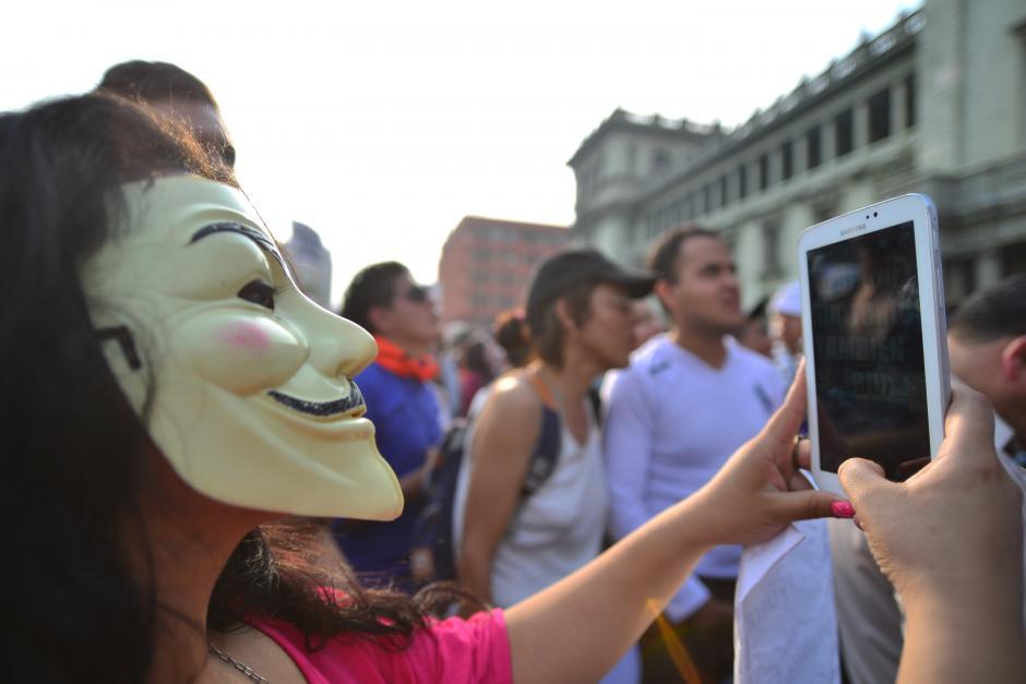 Muchos representantes de Anonymous acudieron a la manifestación. (Foto: Wilder López/Soy502)