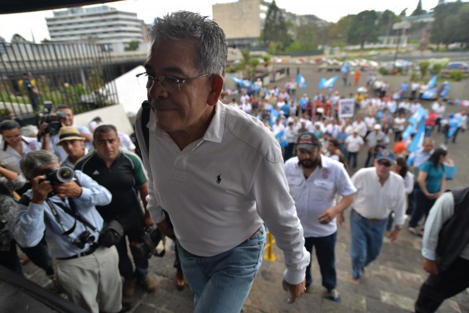 El apoyo al juez fue visible en la plaza. (Foto: Wilder López/Soy502)