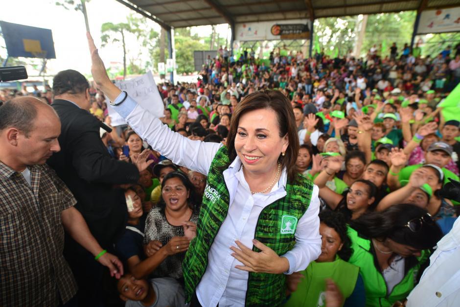 La candidata presidencial de la UNE, Sandra Torres realizó su cierre de campaña en el Amparo, zona 7. (Foto: Wilder López/Soy502)