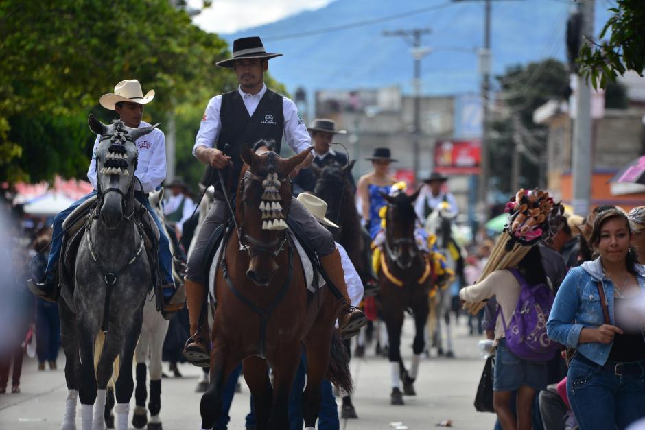 Por segundo año se llevó a cabo el Desfile Hípico Nacional, en esta ocasión sin la presencia del jefe edil. (Foto: Wilder López/Soy502)